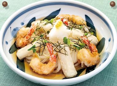 讃岐うどんの亀城庵公認レシピ 海老と揚げもちの冷ぶっかけうどん