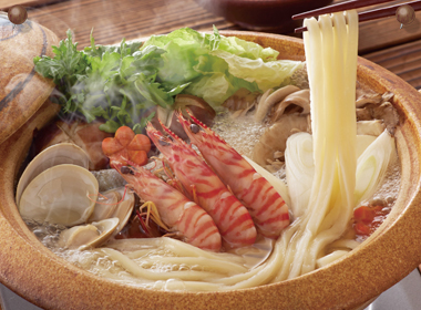 讃岐うどんの亀城庵公認レシピ 海鮮寄せ鍋うどん