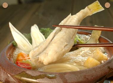 讃岐うどんの亀城庵公認レシピ うどん入りふぐ鍋