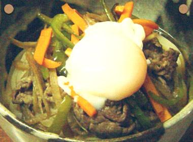 讃岐うどんの亀城庵公認レシピ お肉と野菜炒めのぶっかけ