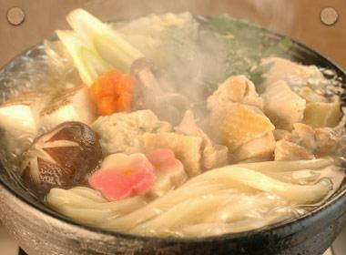 讃岐うどんの亀城庵公認レシピ うどん入り地鶏鍋