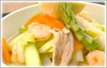讃岐うどんのあったかレシピ 春野菜たっぷりちゃんぽんうどん