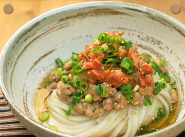 讃岐うどんの亀城庵公認レシピ キムチ納豆ぶっかけ