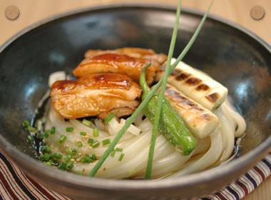 讃岐うどんの亀城庵公認レシピ 鶏肉の甘辛風ぶっかけ