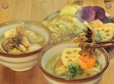 讃岐うどんの亀城庵公認レシピ ちょっぴり贅沢な天ぷらうどん